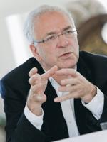Hans Gombotz教授